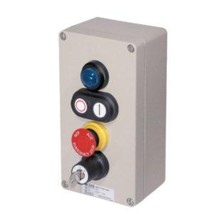 GHG 413 8500 R0003 пост управления. Алюминий. Сигнальная лампа SIL+сдвоенная кнопка DDT (1НР+1НЗ)+кнопка-гриб SGT(E) (1НР+1НЗ)+ключ-выключатель трехпозиционный SLS I O II