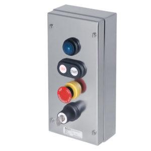 GHG 414 8200 R0003 пост управления. Нержавеющая сталь. Сигнальная лампа SIL+сдвоенная кнопка DDT (1НР+1НЗ)+кнопка-гриб SGT(E) (1НР+1НЗ)+ключ-выключатель SLS трехпозиционный I 0 II