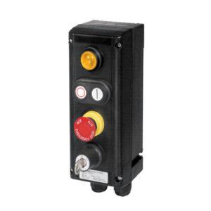 GHG 434 1111 R0009 пост управления. Сигнальная лампа SIL+сдвоенная кнопка DDT (1НР+1НЗ)+кнопка-гриб SGTE (1НР-1НЗ)+ключ-выключатель SLS трехпозиционный I O II